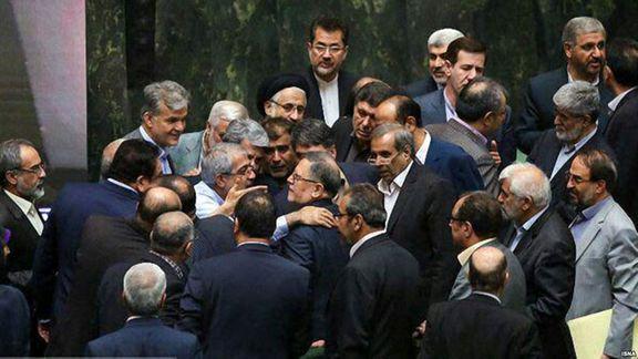 سیف از نمایندگان مجلس شکایت کرد