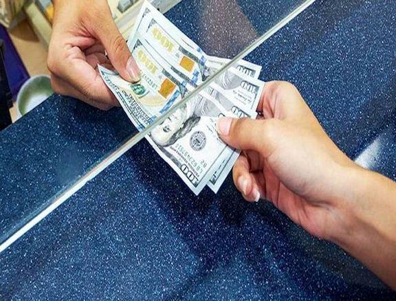 ارزش دلار در بازار جهانی نزولی شد/افزایش تنش میان چین و آمریکا
