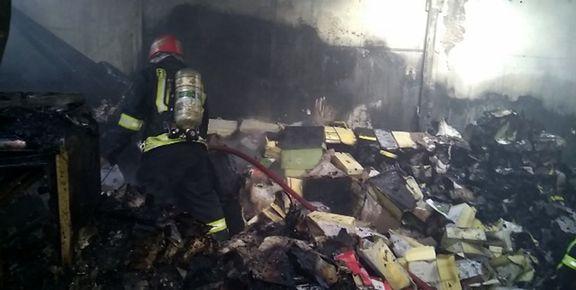 آتش سوزی انبار کفش در بازار تبریز+ عکس