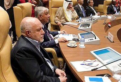 اوپک بالاخره چراغ سبز ایران را به دست آورد/  توافق کاهش ۸۰۰ هزار بشکه نفت در روز