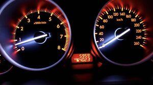 چطور بفهمیم کیلومتر کارکرد خودرو دستکاری شده است؟