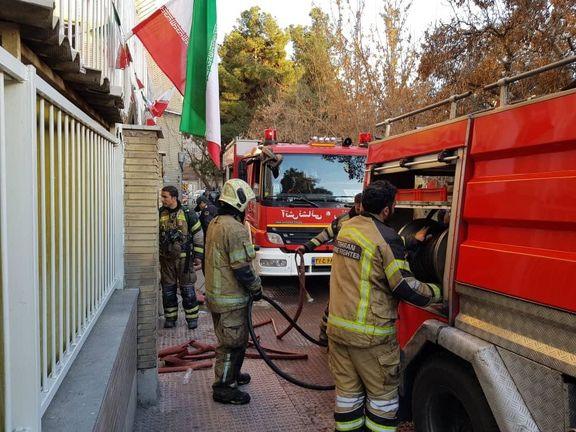 جزئیات  آتش سوزی ساختمان اداری ۴ طبقه در نازی آباد+ عکس
