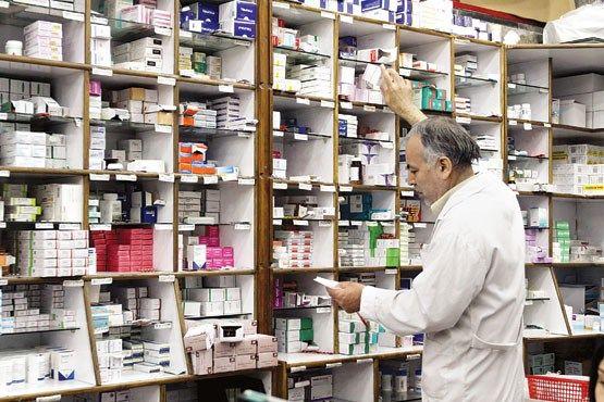 تا پایان سال مشکلی برای تأمین داروهای خاص وجود ندارد / داروهای خاص ماهیانه توزیع می شود