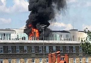 یک مجتمع مسکونی در لندن آتش گرفت