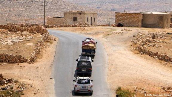 شورشیان مخالف اسد سلاح های سنگین خود را از منطقه حائل خارج کردند