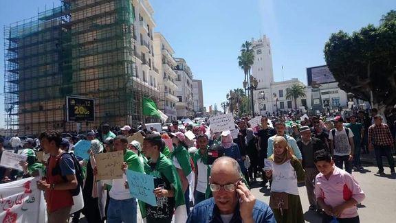 بیست و پنجمین هفته اعتراضات دانشجویان در الجزایر / دانشجویان خود را برای نافرمانی مدنی آماده می کنند