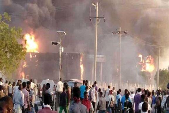 معترضان سودانی یکصدا خواهان تغییر نظام حاکم شدند