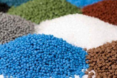چه عواملی تعیین کننده قیمت محصولات پتروشیمی است؟