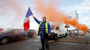 اعتراف نخست وزیر فرانسه به کوتاهی در حق مردم / مردم میخواهند کشور را تغییر دهند