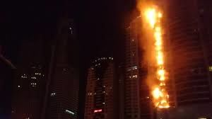 آتشسوزی آسمان خراش در حال ساخت در پایتخت لهستان  + فیلم
