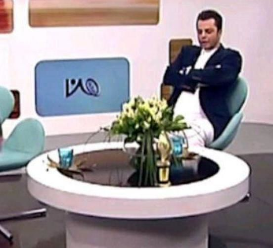 مجری برنامه  «من و شما»  از اجرای تلویزیونی برکنار شد