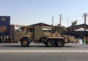 نیروی زمینی سپاه از تجهیزات جدید جنگی خود در هفته دفاع مقدس رونمایی کرد