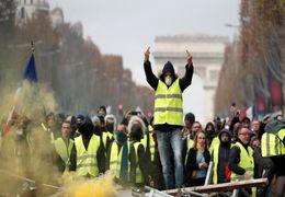 حضور جلیقه زردها در خیابان شانزه لیزه پاریس + ویدئو