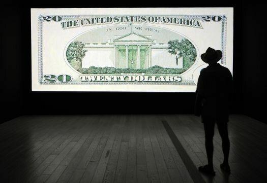 پرواز قیمت دلار همچنان ادامه دارد/دلار به بالاترین ارزش خود در یک دهه اخیر رسید