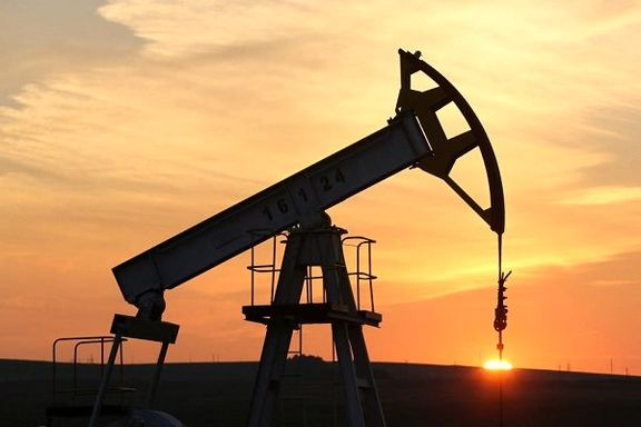 کاهش قیمت 22 دلاری نفت خام ایران در یکسال