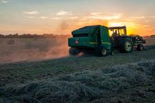 اشتغال بخشهای کشاورزی، خدماتی، صنعتی و ساختمانی در 15 سال اخیر