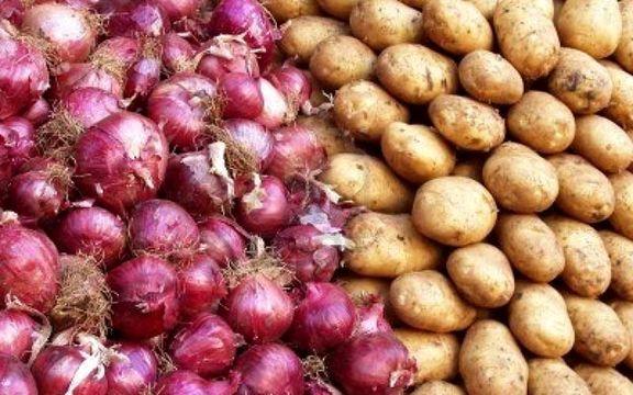 ممنوعیت صادرات سیبزمینی و پیاز برای تنظیم بازار