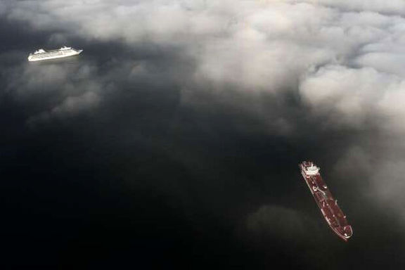 انسداد کانال سوئز قیمت نفت خام را نوسانی کرد