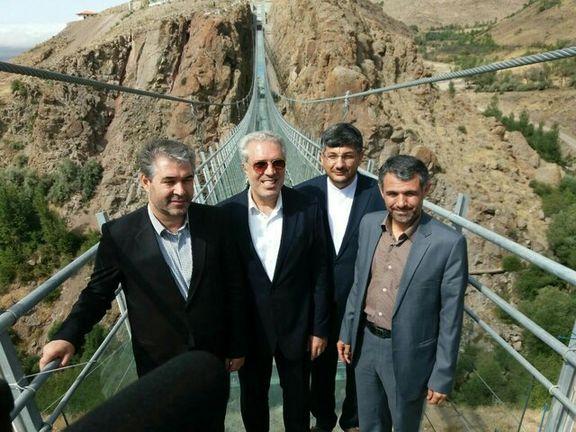 اولین پل شیشه ای ایران راه اندازی شد