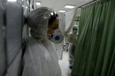 تعرفه لباس محافظ پرستاری از 55 درصد به 5 درصد کاهش یافت