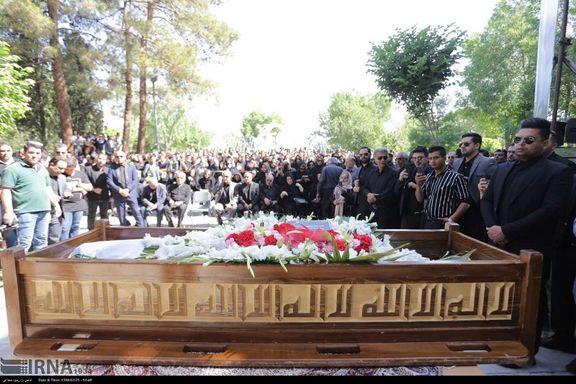 پیکر بهنام صفوی در شاهین شهر اصفهان به خاک سپرده خواهد شد
