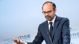 ماکرون استعفای نخستوزیر فرانسه را پذیرفت