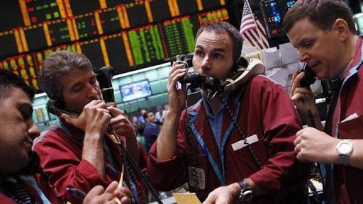 کاهش 1.1 درصدی قیمت نفت خام در معاملات پایانی هفته