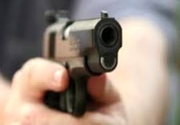 فیلم  فرار مشتریان وحشت زده در پی تیراندازی در یک مرکز خرید در حومه آتلانتا آمریکا