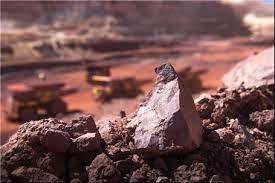 عرضه ۳۵۰ هزار تن سنگ آهن کلوخه و ۵۰ هزار تن سنگ آهن دانه بندی  در بورس کالا