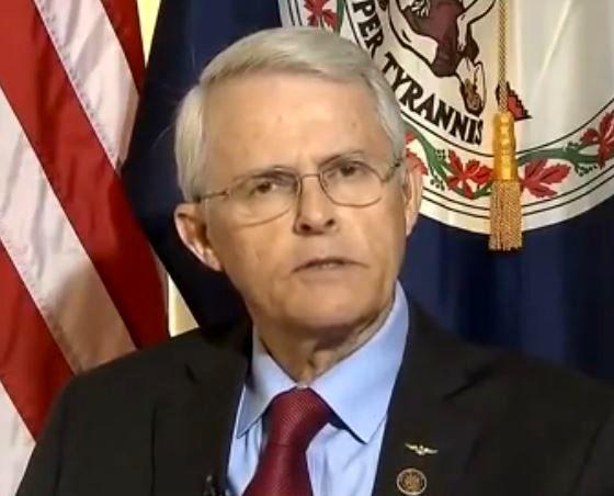 سناتور آمریکایی: هیچ دلیل برای استفاده ارتش سوریه از گاز سمی وجود ندارد