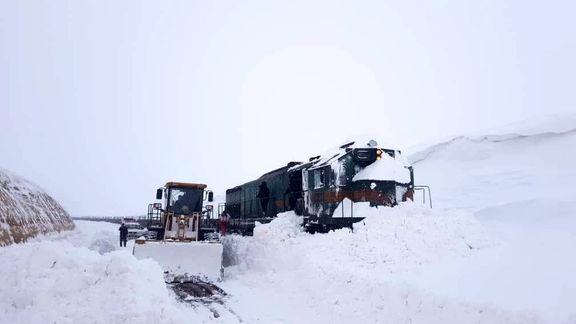 قطار باری در خط آهن میانه بستان آباد دچار حادثه شد