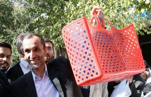 حمید بقایی به مرخصی نوروزی آمد