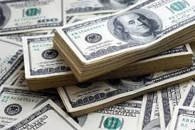 دلار در صرافیهای بانکها ۸۵۰ تومان کاهش یافت