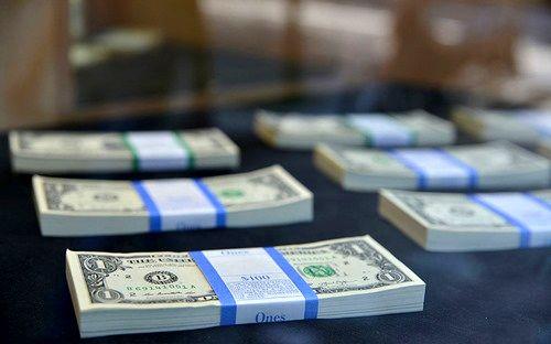 شکلگیری صفهای طولانی درخواست ارز در سامانه نیما/ سوداگران در بازار ارز جان گرفتند