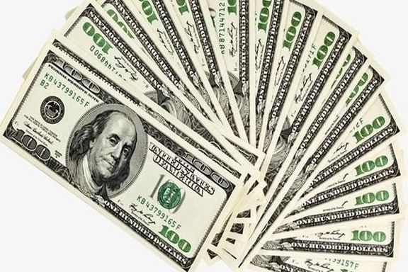 صرافی ها همچنان قیمات دلار را افزایش می دهند