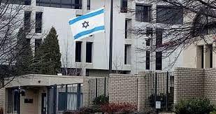 بیهوش شدن خبرنگار اسرائیلی هنگام ارسال گزارش از دبی
