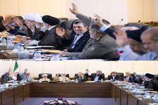 تصاویر دیگری از رأی گیری در مورد حضور سپنتا نیکنام در شورای شهر یزد