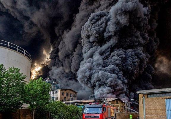 خسارت ۸۰ میلیارد تومانی در آتشسوزی کارخانه صنایع شیمیایی