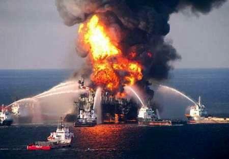 آتش سوزی در یک سکوی نفتی/سکوی نفتی پارس جنوبی دچار حریق شد