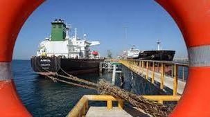 کاهش صادرات نفت ایران/ تحلیل بلومبرگ از وضع مجدد تحریم ها
