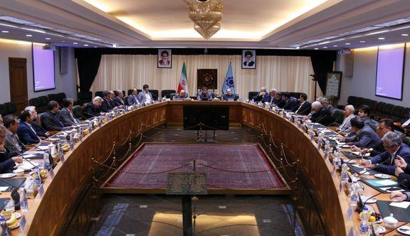 عبدالناصر همتی آمادگی بانک ها برای دور زدن تحریم ها را اعلام کرد
