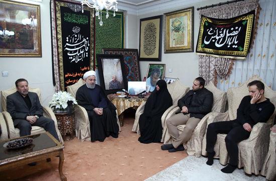 حسن روحانی به منزل شهید سردار قاسم سلیمانی رفت