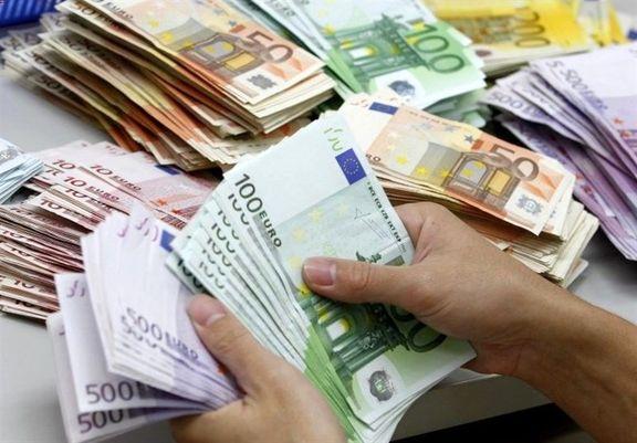 ثبات 13 هزار و 600 تومانی دلار در صرافیهای بانکی