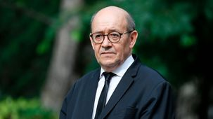 دفاع وزیر خارجه فرانسه از نسرین ستوده/ نسرین ستوده به 7 سال حبس محکوم شده است