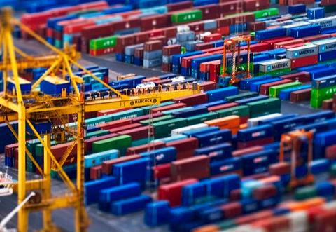 پرداخت مشوقهای صادراتی در دو قالب کمک بلاعوض و کمک سود تسهیلات بانکی