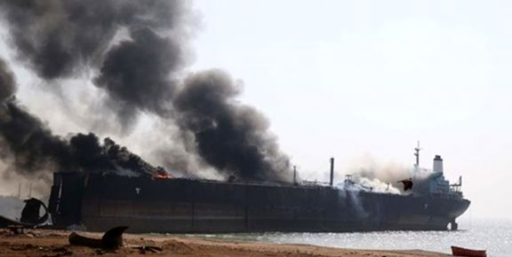 المیادین: یکی از دو نفتکش دریای عمان به طور  کامل غرق شد