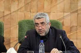 وزیر نیرو درتلویزیون در خصوص وضعیت آب و برق به مردم توضیح می دهد