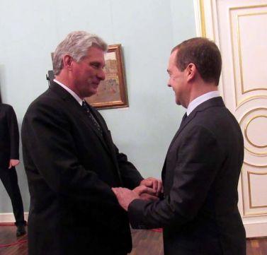 رئیس جمهور کوبا با نخست وزیر روسیه گفتگو کرد