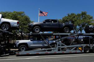 گزارش تأثیر واردات خودرو بر امنیت ملی آمریکا تقدیم دونالد ترامپ شد / خودروسازان نسبت به اعمال تعرفه بر واردات خودرو هشدار دادند