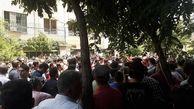 هواداران دیگر صحبت های عرب را باور نمی کنند/تجمع هواداران در جلوی دفتر باشگاه برای روز دوم